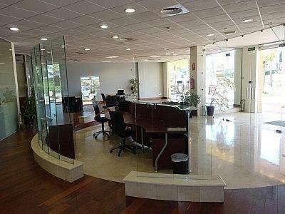 Local comercial en alquiler en Estepona - 349336534