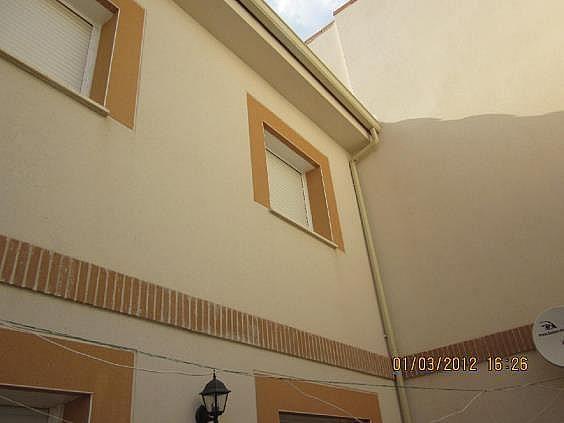 Casa adosada en alquiler en calle La Rosa, Santa Cruz de la Zarza - 261990142