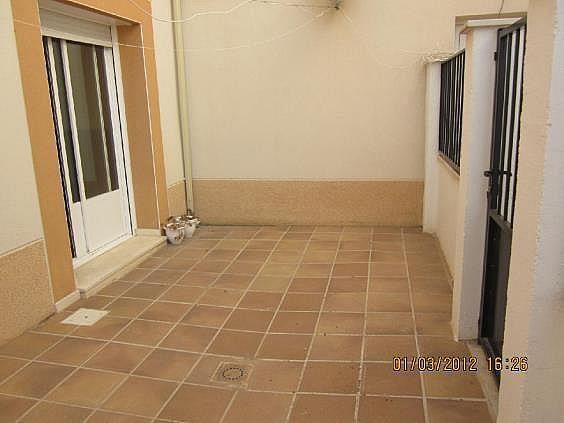 Casa adosada en alquiler en calle La Rosa, Santa Cruz de la Zarza - 261990145