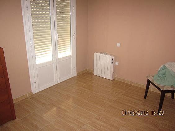 Casa adosada en alquiler en calle La Rosa, Santa Cruz de la Zarza - 261990172