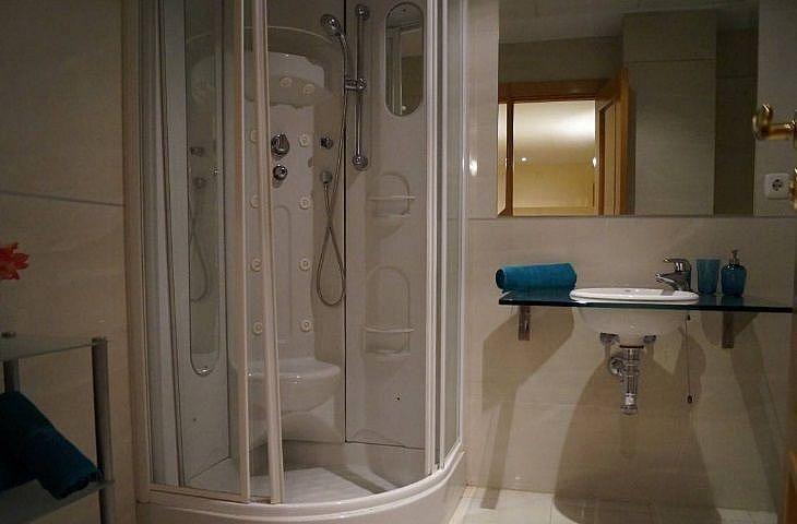 Bano - Apartamento en alquiler en Estepona - 291218340
