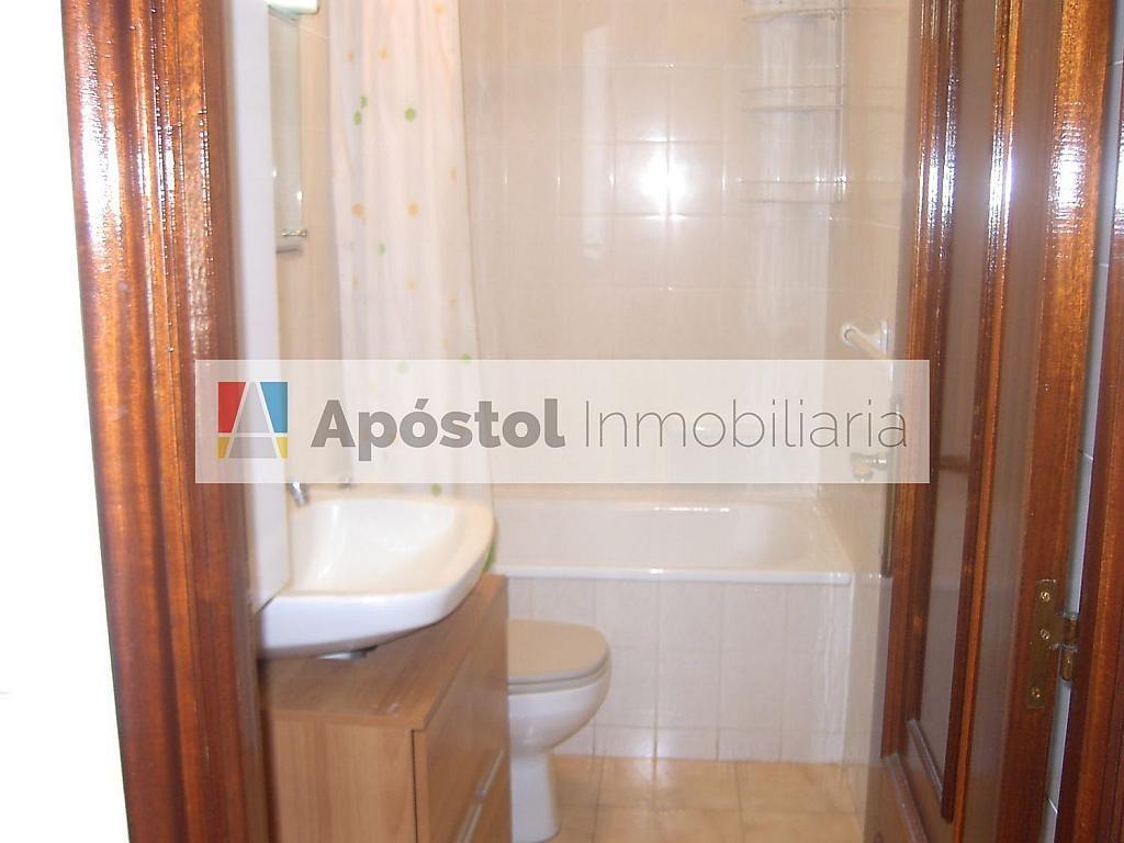 Piso en alquiler en calle Santa Marta de Arriba, Santiago de Compostela - 358497342