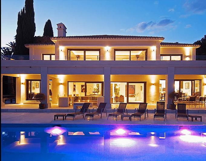 Villa en alquiler de temporada en Marbella - 286943211