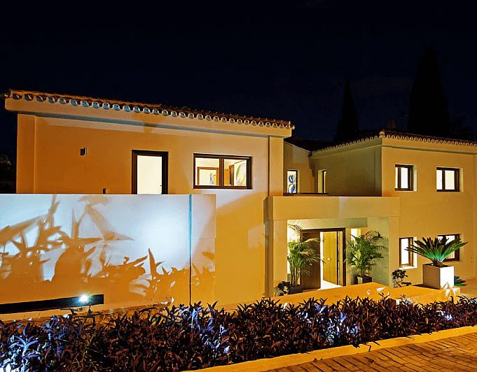 Villa en alquiler de temporada en Marbella - 286943235