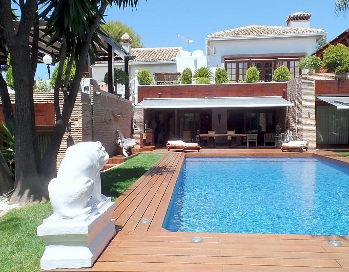 Villa en alquiler de temporada en Marbella - 291726560