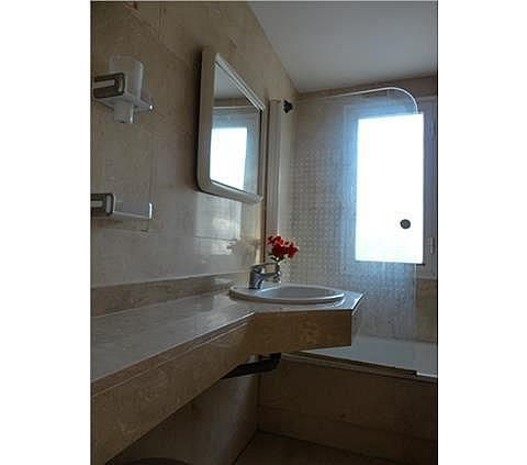 Apartamento en alquiler en calle Julio Iglesias, Nueva Andalucía-Centro en Marbella - 288204134