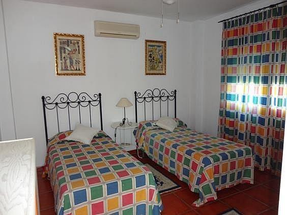 Chalet en alquiler en Elviria en Marbella - 288207047