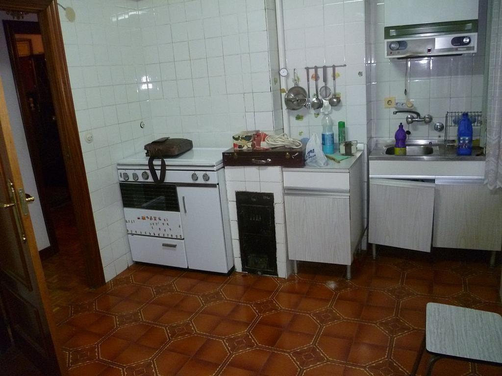 Piso en venta en calle De Anselmo Salva, Burgos - 364836864