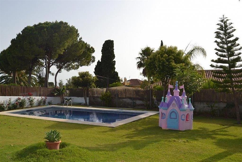 Villa en alquiler en Elviria en Marbella - 297605772