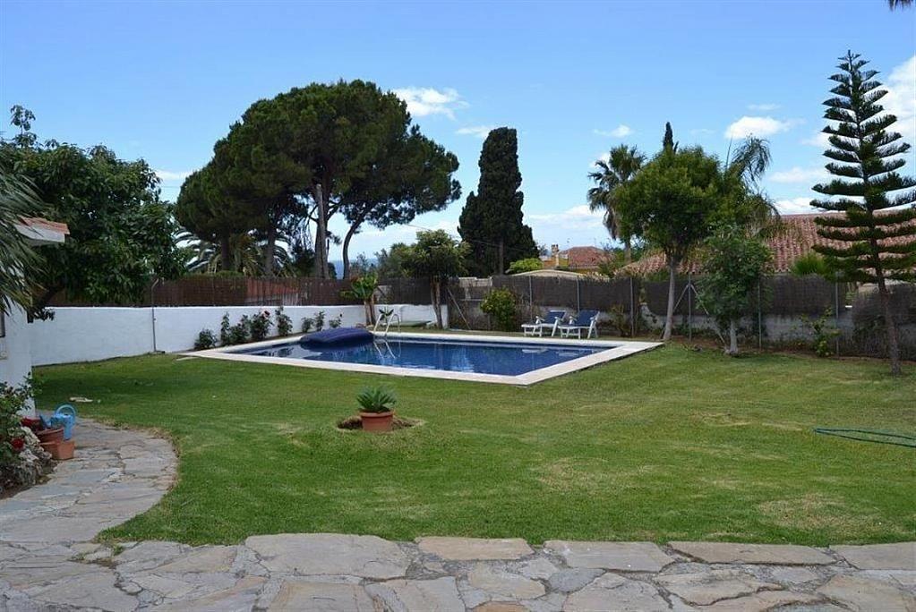 Villa en alquiler en Elviria en Marbella - 297605787