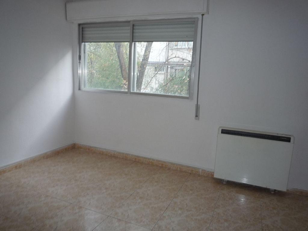 Piso en alquiler en calle De Alcalá de Guadaíra, Palomeras Bajas en Madrid - 329587478
