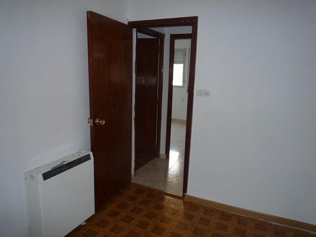 Piso en alquiler en calle De Alcalá de Guadaíra, Palomeras Bajas en Madrid - 329587499