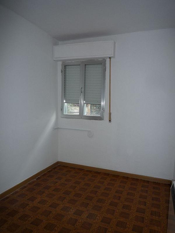 Piso en alquiler en calle De Alcalá de Guadaíra, Palomeras Bajas en Madrid - 329909559