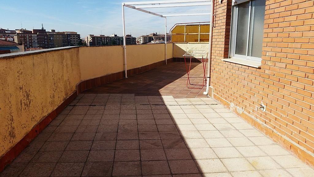 Ático en alquiler en calle Doctor Navarro, Vidal en Salamanca - 323489569