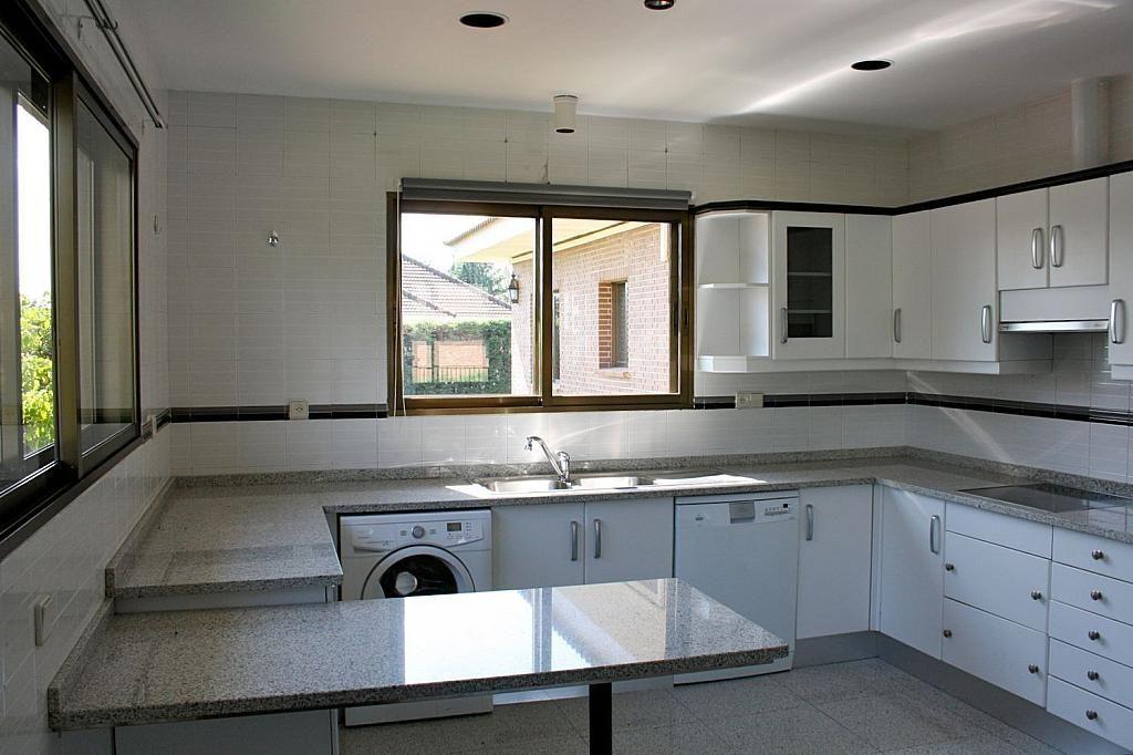 Casa en alquiler en Fuente del fresno - 348887026