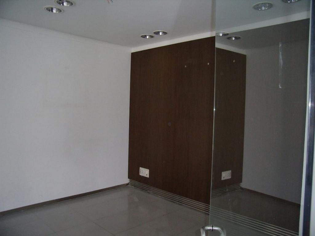 Local comercial en alquiler en calle Bernardino Tirapu, Rochapea en Pamplona/Iruña - 316745410