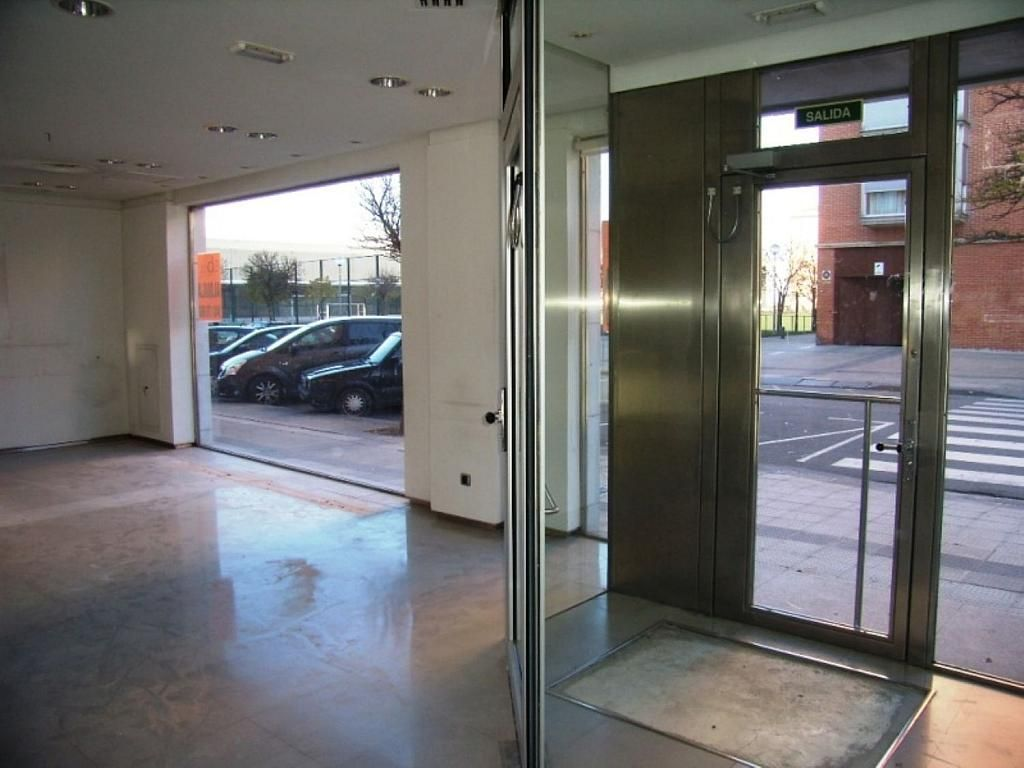 Local comercial en alquiler en calle Bernardino Tirapu, Rochapea en Pamplona/Iruña - 316745416