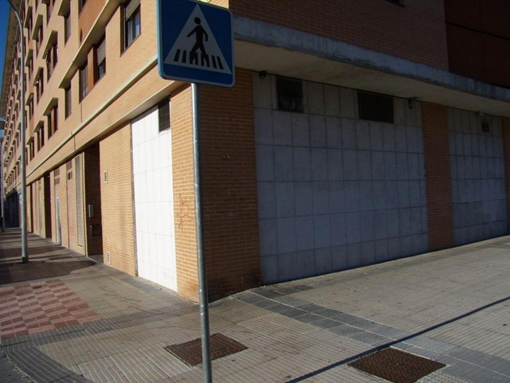 Local comercial en alquiler en calle Bernardino Tirapu, Rochapea en Pamplona/Iruña - 316745428
