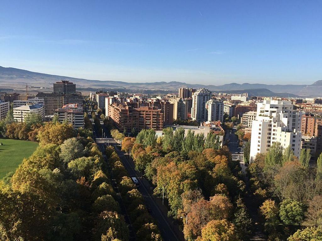Piso en alquiler en calle De Pío XII, Primer Ensanche en Pamplona/Iruña - 340876733