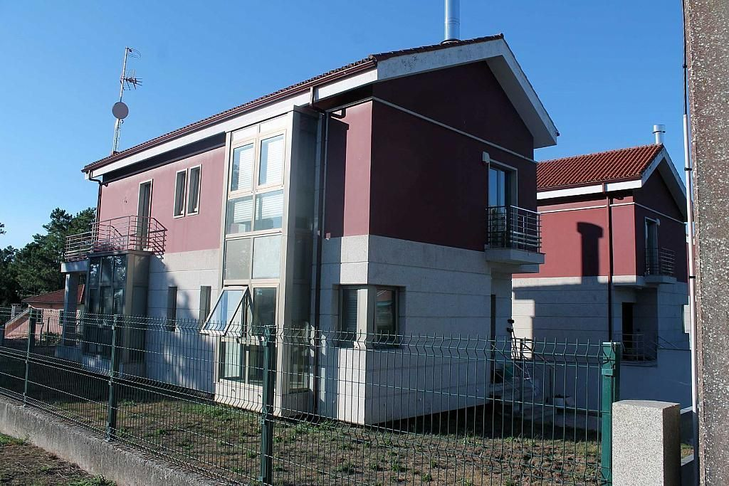 Casa en alquiler en calle Sollans, Teo - 358094057