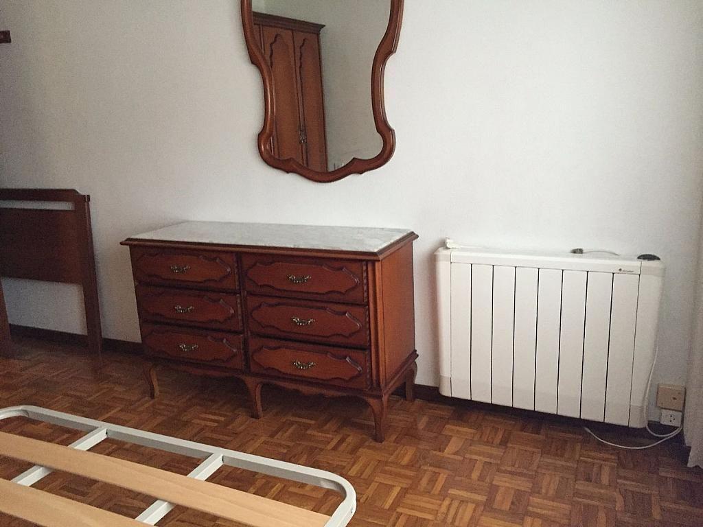 Piso en alquiler en calle Santa Uxia de Ribeira, Santiago de Compostela - 358096868