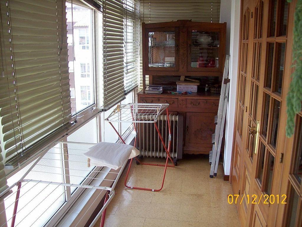Piso en alquiler en calle De Castelao, Santiago de Compostela - 358097564