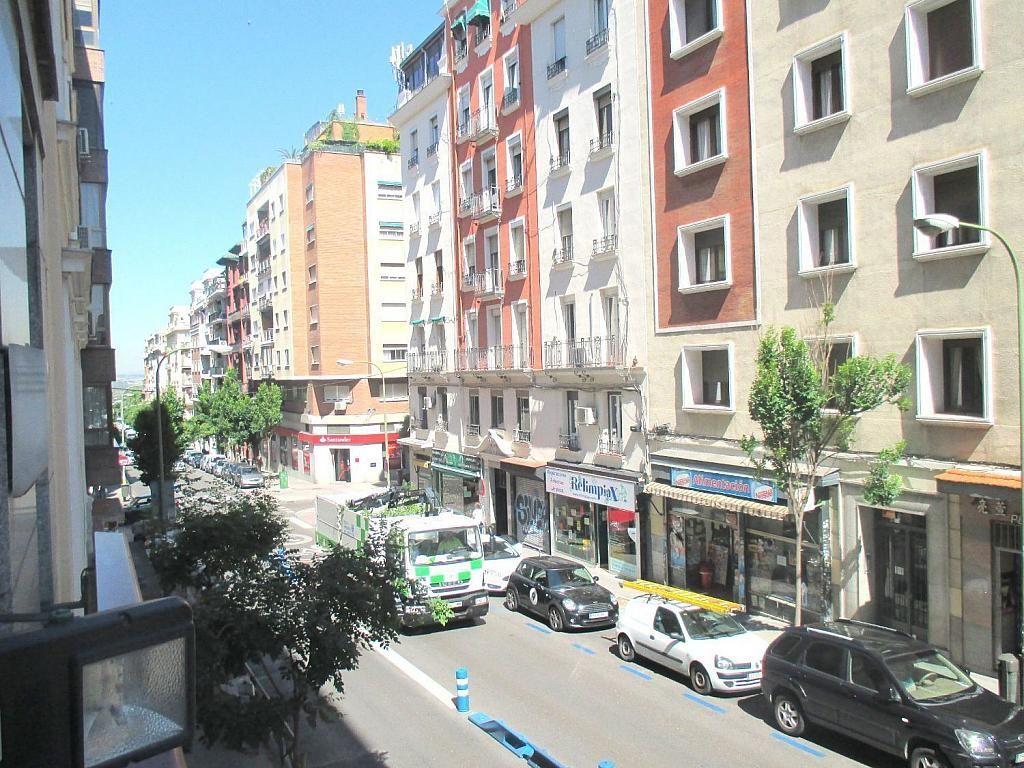 Oficina en alquiler en calle De Fernández de Los Rios, Chamberí en Madrid - 341982864