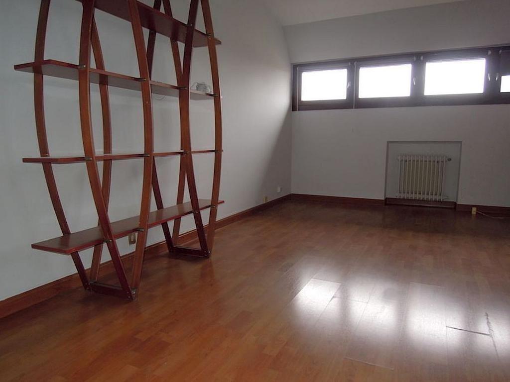 Dúplex en alquiler en calle Apolonio Morales, Nueva España en Madrid - 353030323