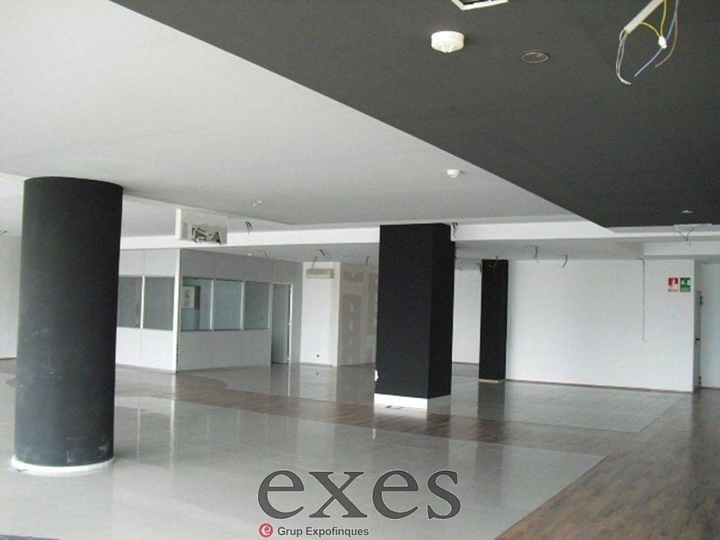Local comercial en alquiler en Sant Cugat del Vallès - 359242309