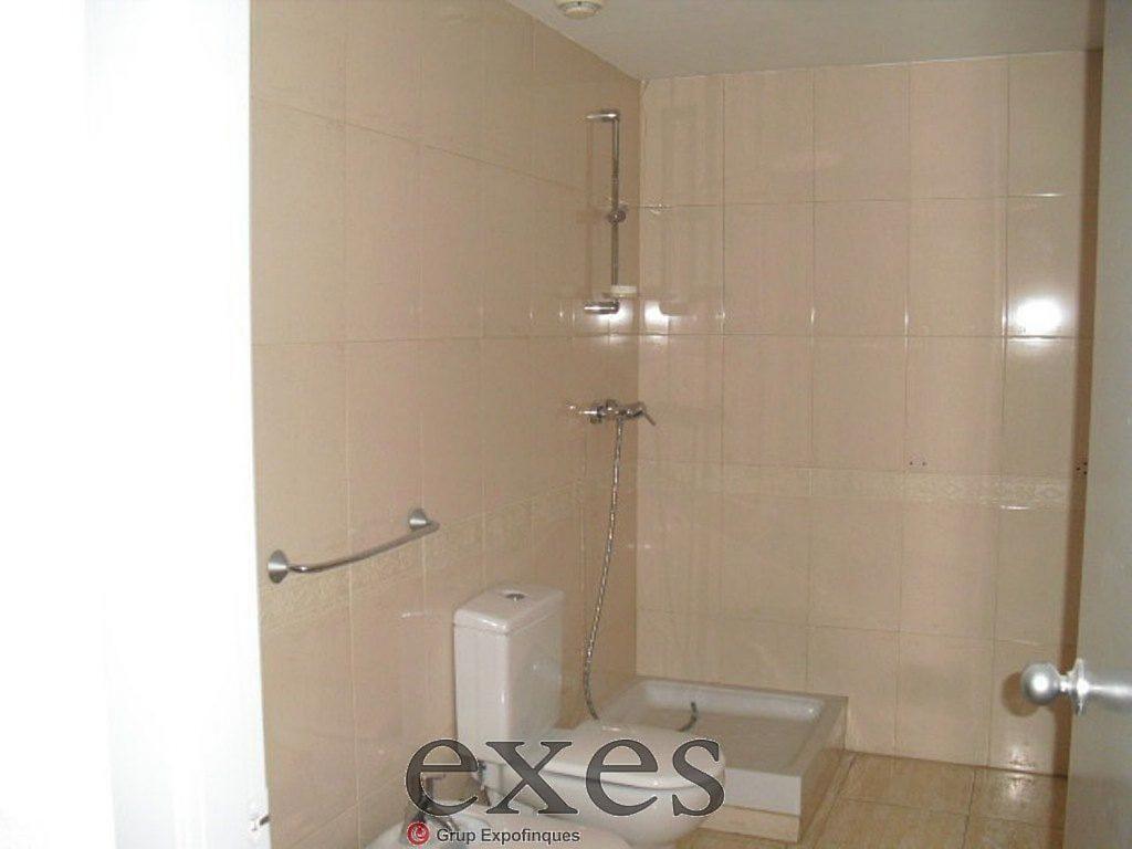Local comercial en alquiler en Sant Cugat del Vallès - 359242318