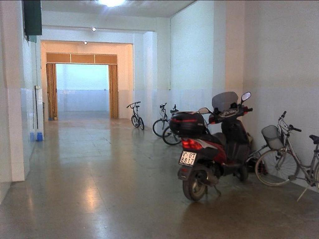 Local comercial en alquiler en El Botànic en Valencia - 358351495