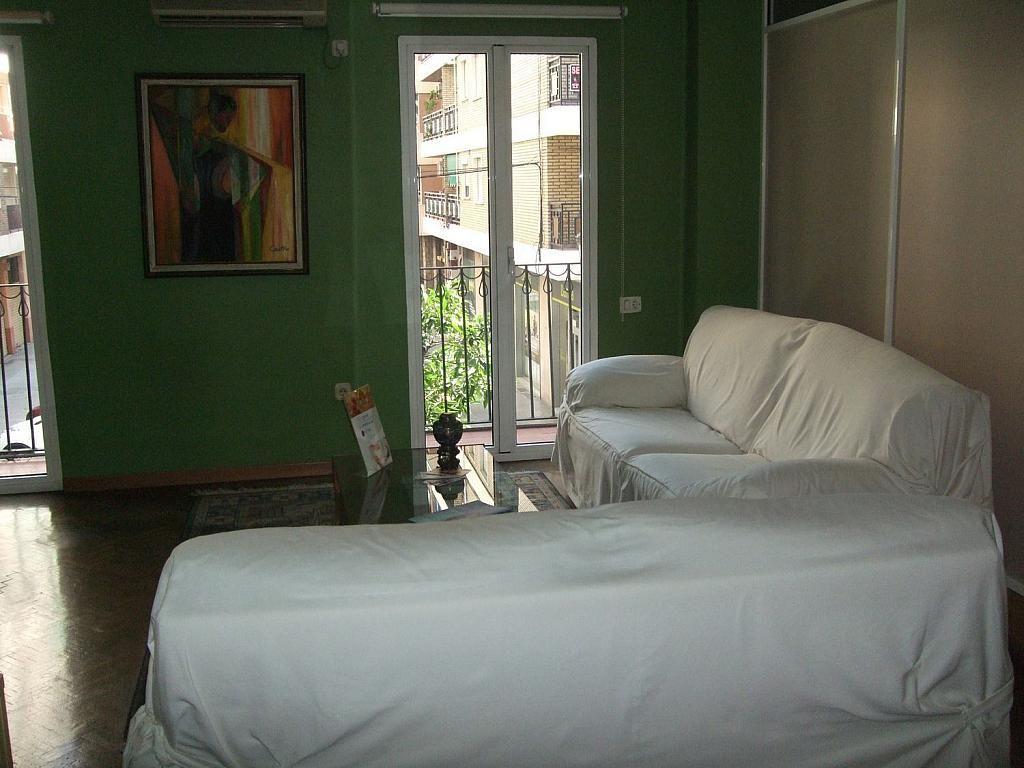 Local comercial en alquiler en Patraix en Valencia - 358432873