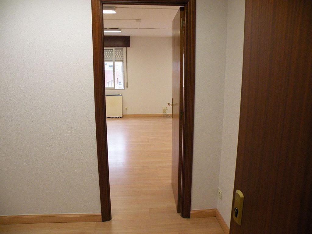 Oficina en alquiler en calle Pedro Aranaz, Azpilagaña en Pamplona/Iruña - 358642954