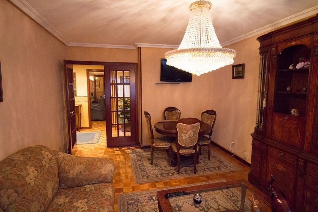 Piso en alquiler en calle José María Fernández Buelta, Vallobin-La Florida-Las Campas en Oviedo - 343360718