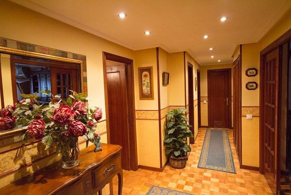 Piso en alquiler en calle José María Fernández Buelta, Vallobin-La Florida-Las Campas en Oviedo - 343360730