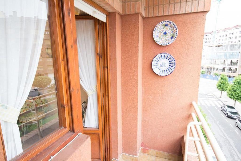 Piso en alquiler en calle José María Fernández Buelta, Vallobin-La Florida-Las Campas en Oviedo - 343360748
