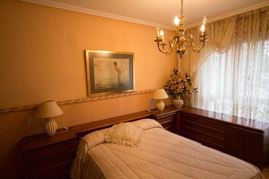 Piso en alquiler en calle José María Fernández Buelta, Vallobin-La Florida-Las Campas en Oviedo - 343360781