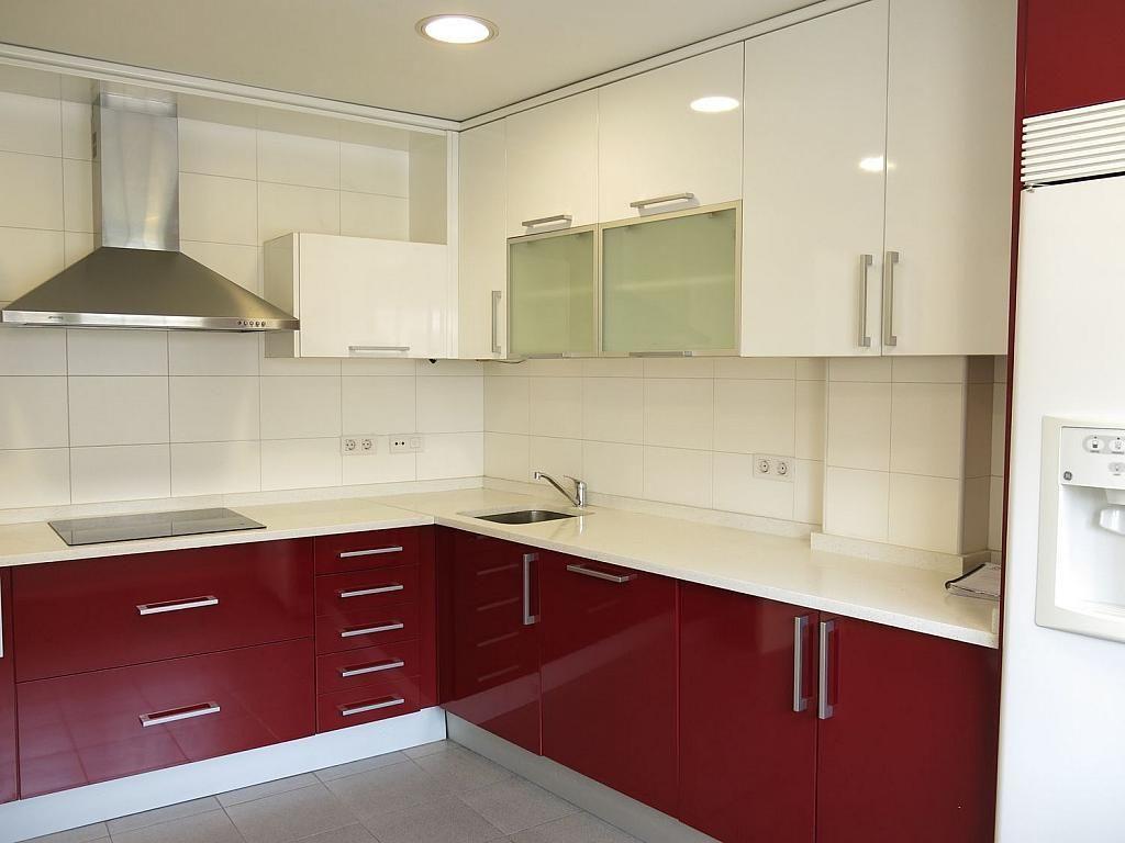 Casa adosada en alquiler en calle Basilio Prado, Mirasierra en Madrid - 334323666