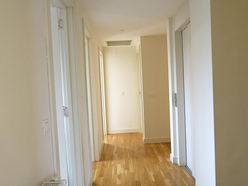 Casa adosada en alquiler en calle Basilio Prado, Mirasierra en Madrid - 334323681