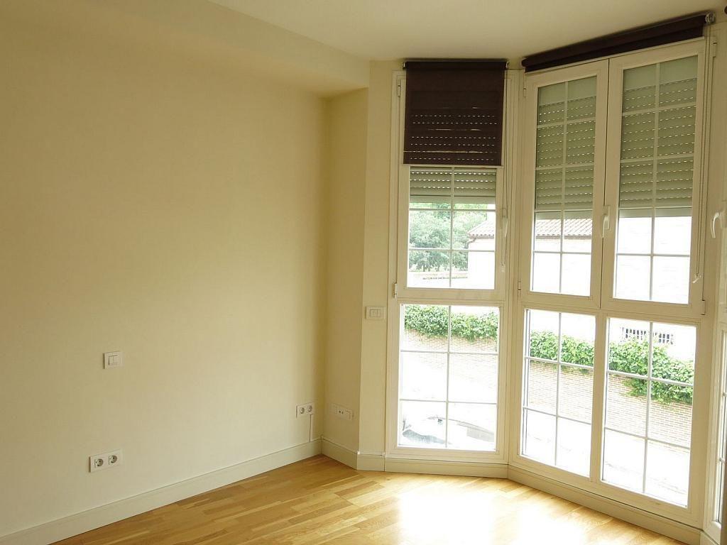Casa adosada en alquiler en calle Basilio Prado, Mirasierra en Madrid - 334323684