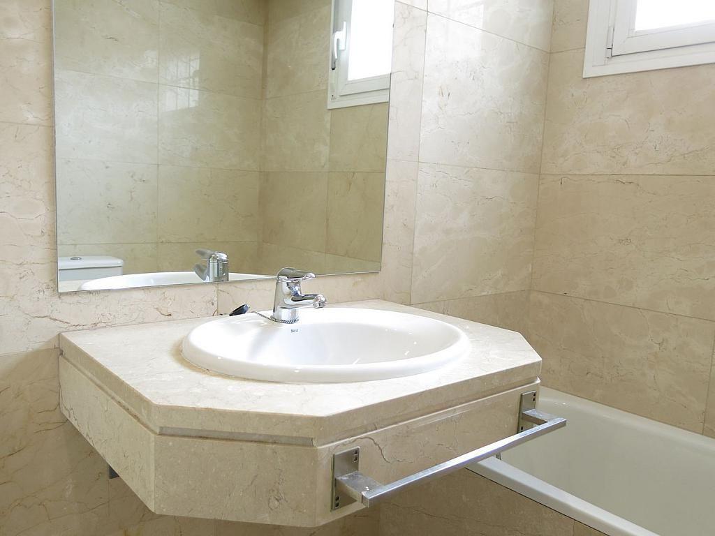 Casa adosada en alquiler en calle Basilio Prado, Mirasierra en Madrid - 334323693