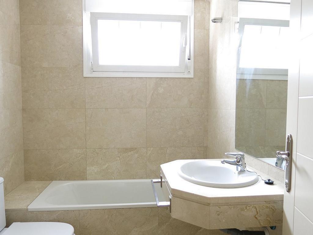 Casa adosada en alquiler en calle Basilio Prado, Mirasierra en Madrid - 334323696