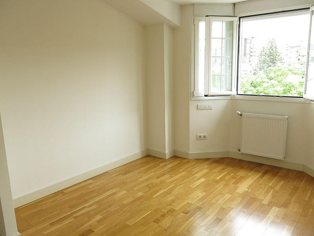 Casa adosada en alquiler en calle Basilio Prado, Mirasierra en Madrid - 334323717