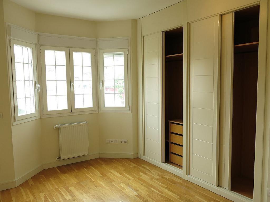 Casa adosada en alquiler en calle Basilio Prado, Mirasierra en Madrid - 334323723