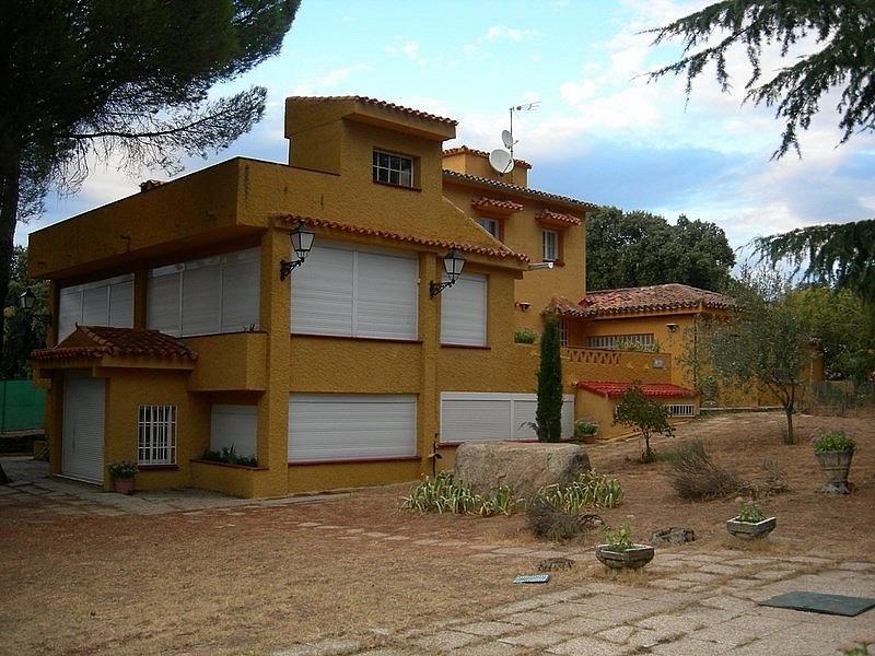 Chalet en alquiler en Valdemorillo - 325288977