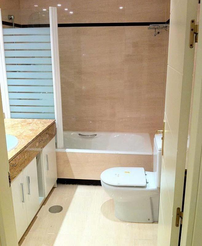 Baño - Dúplex en alquiler en calle Pirineos, Ciudad Universitaria en Madrid - 217437890