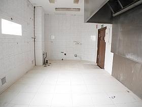 Local en alquiler en calle Buganvilla, Castilla en Madrid - 303853028