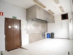 Local en alquiler en calle Buganvilla, Castilla en Madrid - 303853031