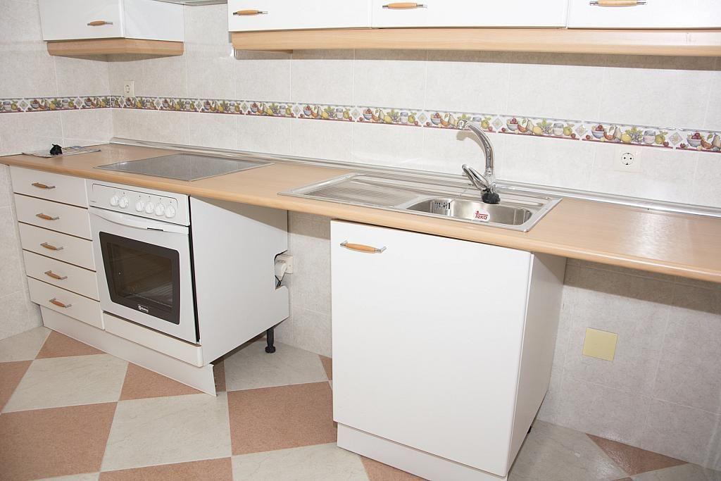 Cocina - Piso en alquiler en calle Castilla la Mancha, Valmojado - 273475706