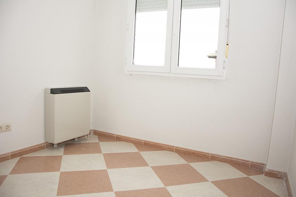Dormitorio - Piso en alquiler en calle Castilla la Mancha, Valmojado - 273475749